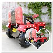 新款广场拖拉机碰碰车_儿童公园电动玩具车可坐人遥控亲子电瓶发光游乐车